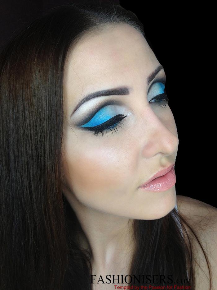 Party Makeup: Gradient Blue Cut Crease Eye Makeup Tutorial ...