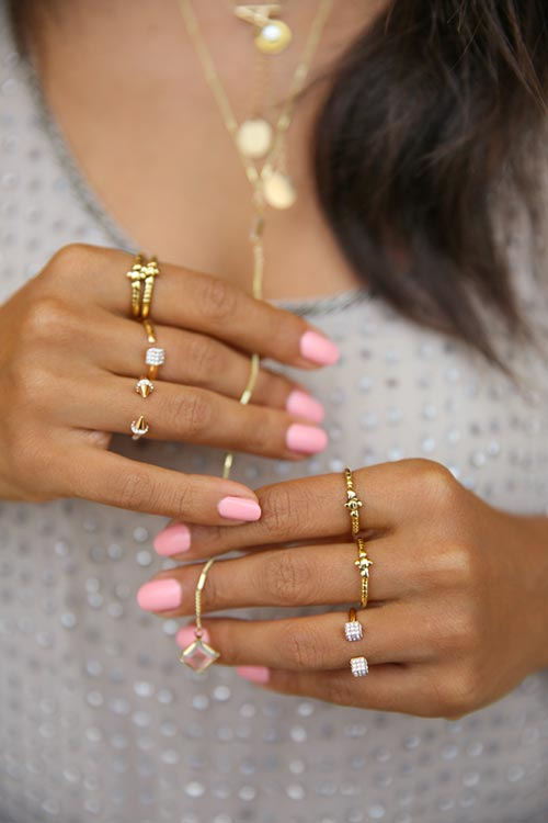 Trendy and Modern Ways to Wear Rings: Midi Rings