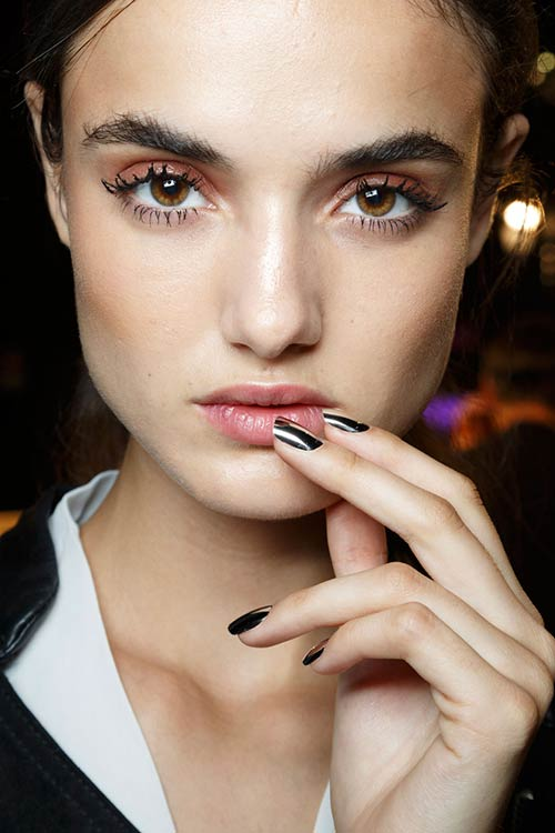 Spring 2015 Sixties Twiggy Makeup Trend: DSquared2