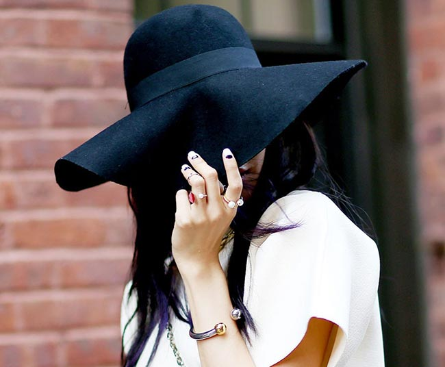 How to Wear Rings: Knuckle Rings