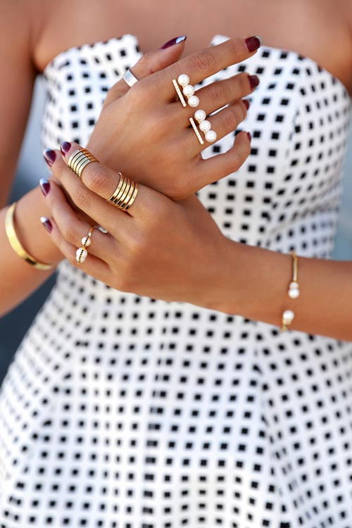 Trendy and Modern Ways to Wear Rings: Multifinger Rings