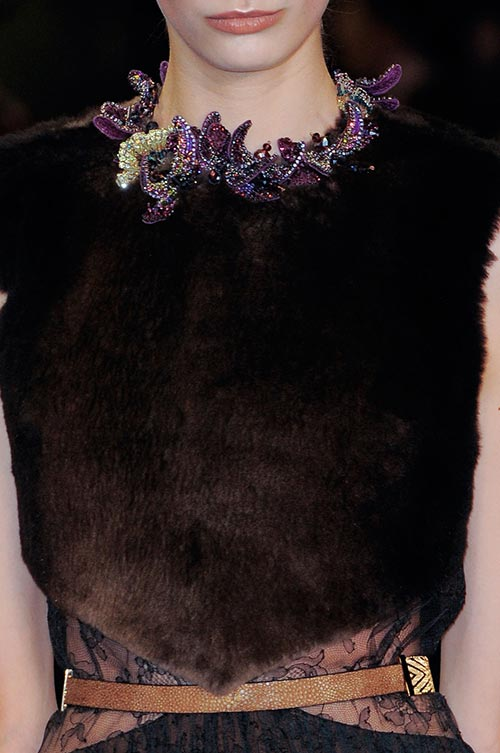 Winter 2014-2015 Fashion Must-Haves: Queen Collars