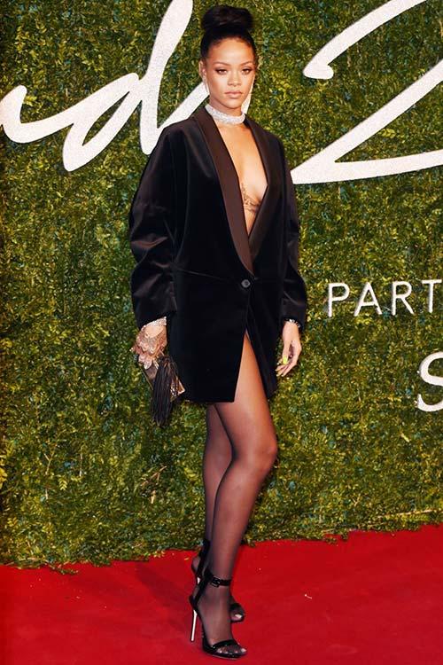 British Fashion Awards 2014 Red Carpet Fashion: Rihanna