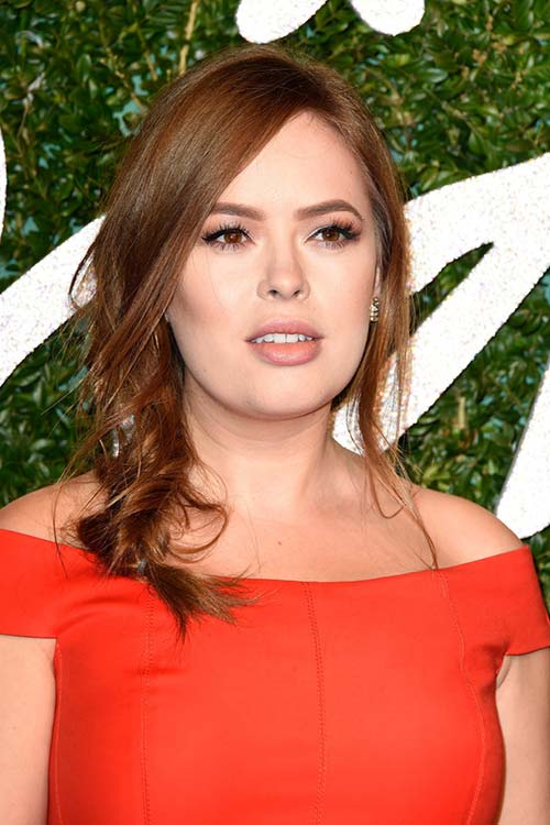 Pretty Holiday Hairstyles to Meet 2015 In Style: Loose Braid - Tanya Burr