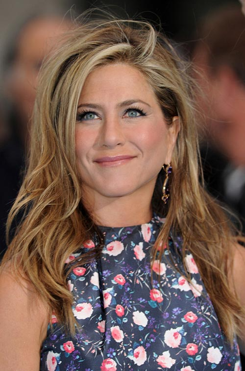 Casual At-Home Hairstyles from Celebs: Jennifer Aniston