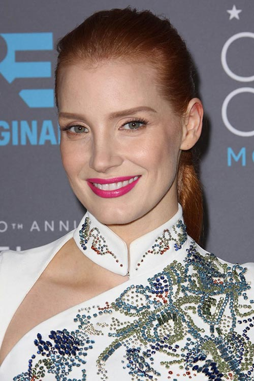 Critics' Choice Awards 2015 Best Hairstyles and Makeup Looks: Jessica Chastain
