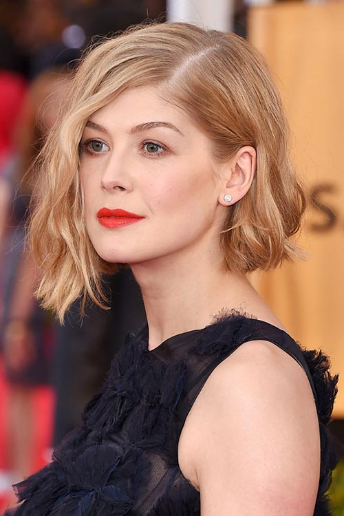 SAG Awards 2015 Hairstyles and Makeup: Rosamund Pike