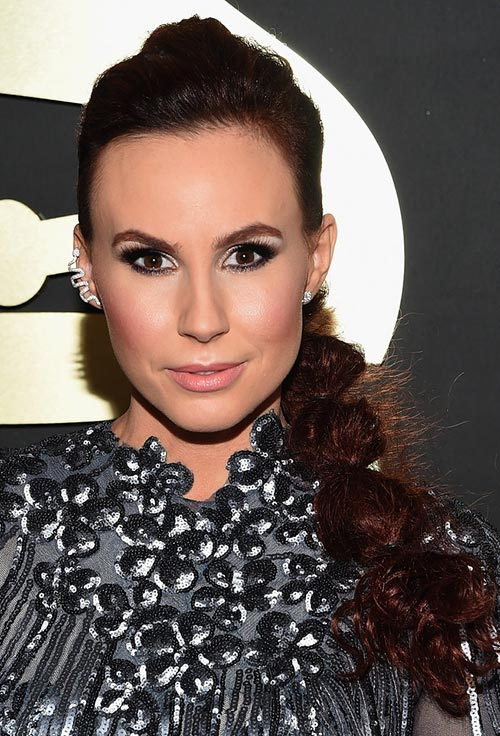 Grammy Awards 2015 Hairstyles and Makeup: Keltie Knight