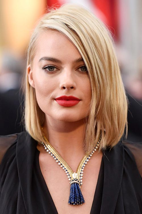 Oscars 2015 Celebrity Hairstyles and Makeup: Margot Robbie