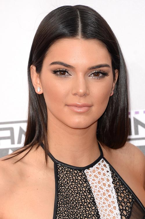 Trendy Hair Colors for Spring 2015: Kendall Jenner Black Hair
