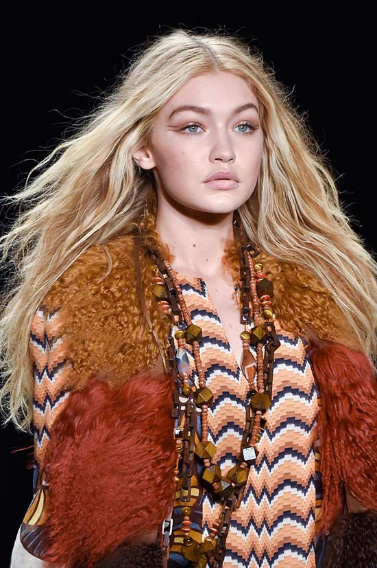 6 Beauty Fails That Have Turned Into Trends: Frizzy Hair