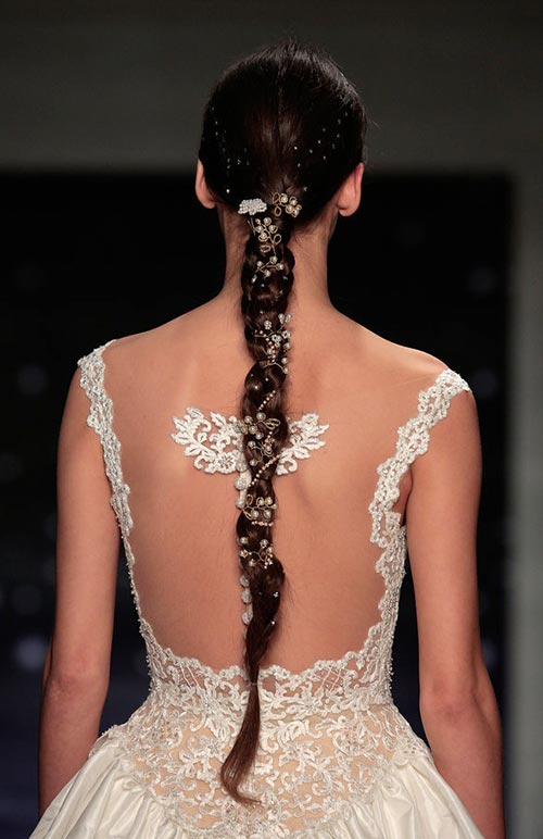Spring 2016 Bridal Hairstyles and Beauty: Reem Acra