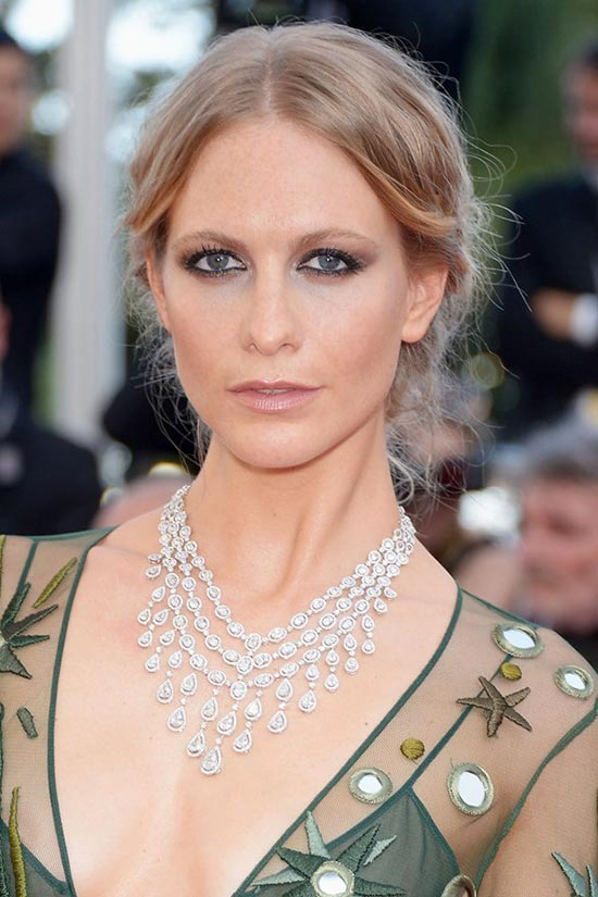 Cannes 2015 Hairstyles & Makeup: Poppy Delevingne