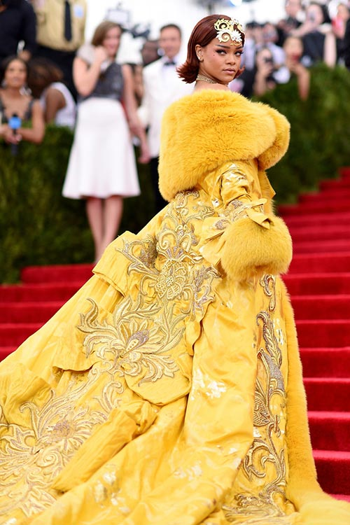 Met Gala 2015 Red Carpet Fashion: Rihanna