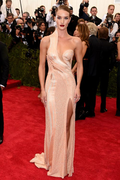 Met Gala 2015 Red Carpet Fashion: Rosie Huntington-Whiteley