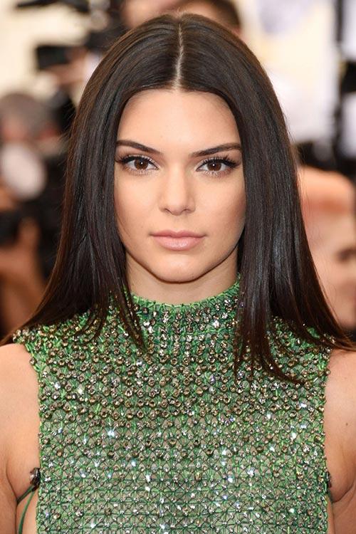 Met Gala 2015 Hairstyles & Makeup: Kendall Jenner