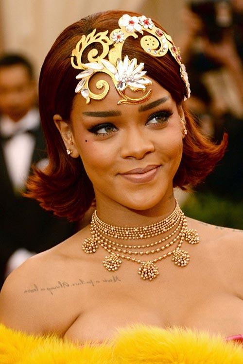 Met Gala 2015 Hairstyles & Makeup: Rihanna