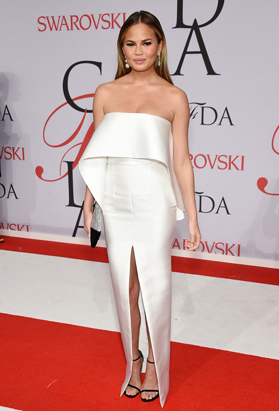 2015 CFDA Awards Red Carpet Fashion: Chrissy Teigen