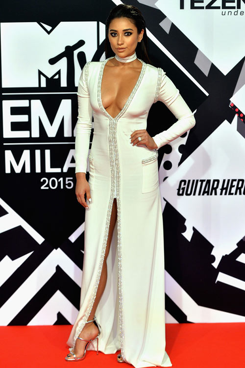 2015 MTV Europe Music Awards Celebrity Style: Shay Mitchell