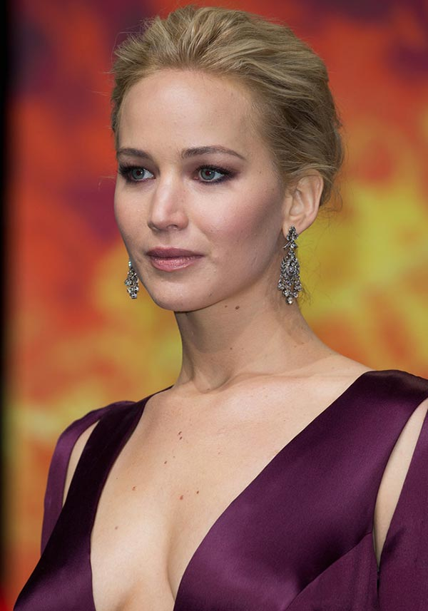 2015 Holiday Party Hairstyles: Jennifer Lawrence