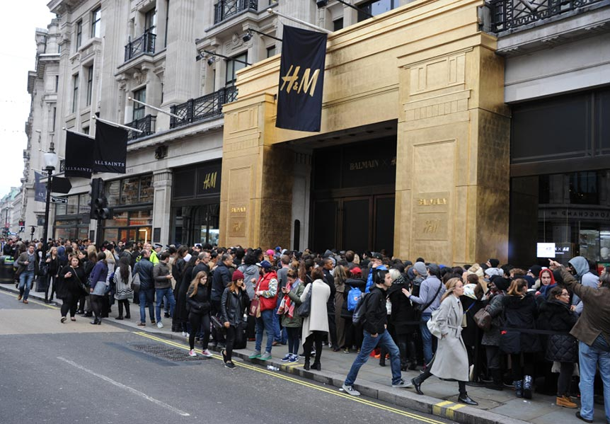 Balmain x H&M Shopping Craze