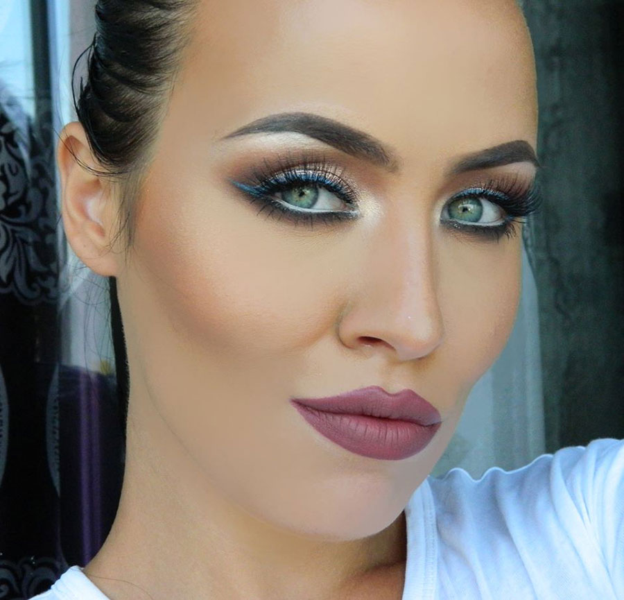How To Wear Metallic Eye Makeup This Fall: Tutorial