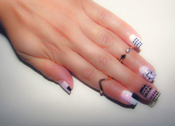 11 Lovely Negative Space Nail Art Designs With a Modern Twist
