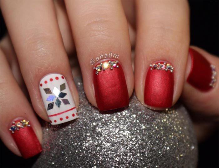 Holiday Nail Art Designs To Try This Christmas - 53 Sparkling Holiday Nail Art Designs To Try This Christmas