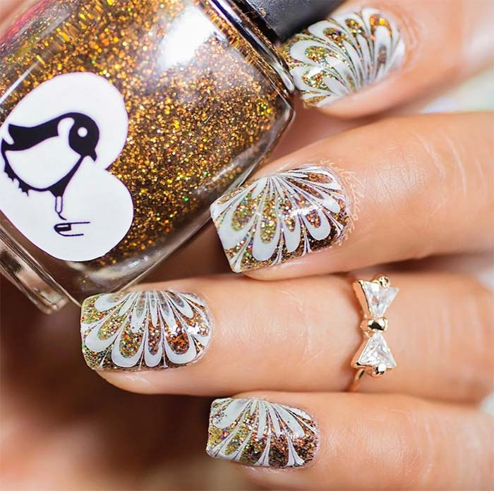 53 Sparkling Holiday Nail Art Designs To Try This Christmas