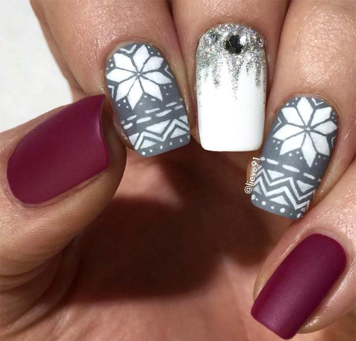 53 Sparkling Holiday Nail Art Designs To Try This