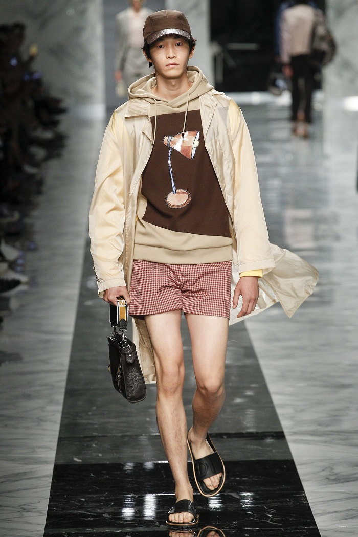 Fendi Men's Spring 2018 Collection Sweatshirt with Lamp ilustration
