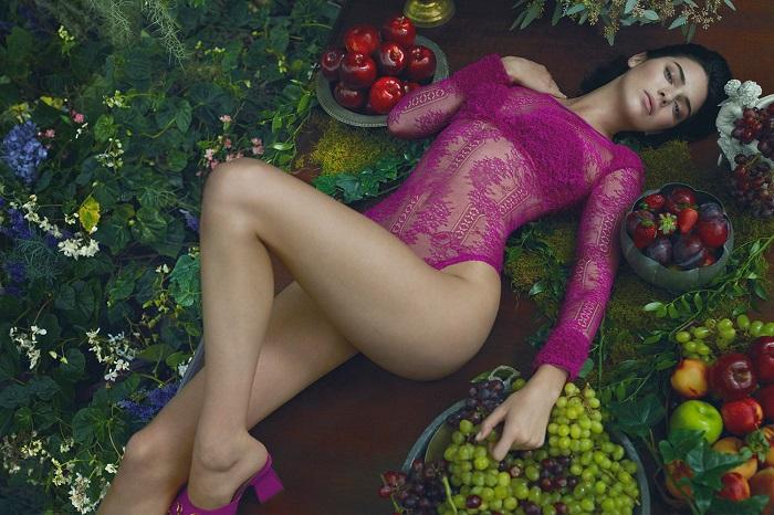 Kendall Jenner Looks Sensational in La Perla's New Campaign magenta bodysuit mules