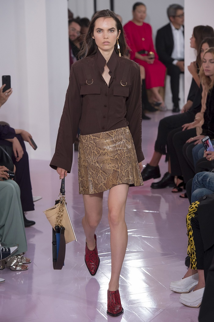 Chloé RTW Spring 2018 Collection at PFW snakeskin skirt brown shirt