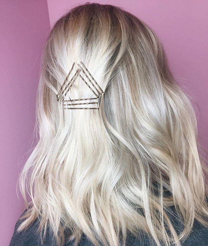 Fabulous Ways to Upgrade Your Hairstyle With Bobby Pins blonde hair waves