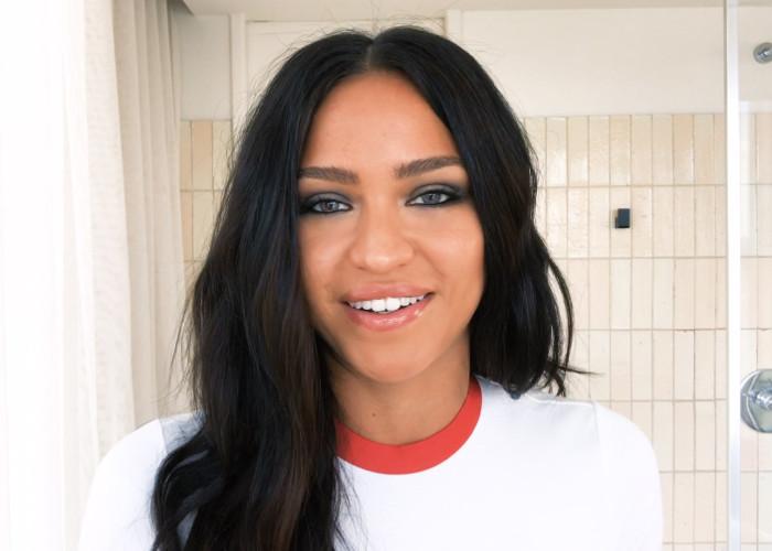 Watch Cassie's 10-Second Smoky Eye Trick 2