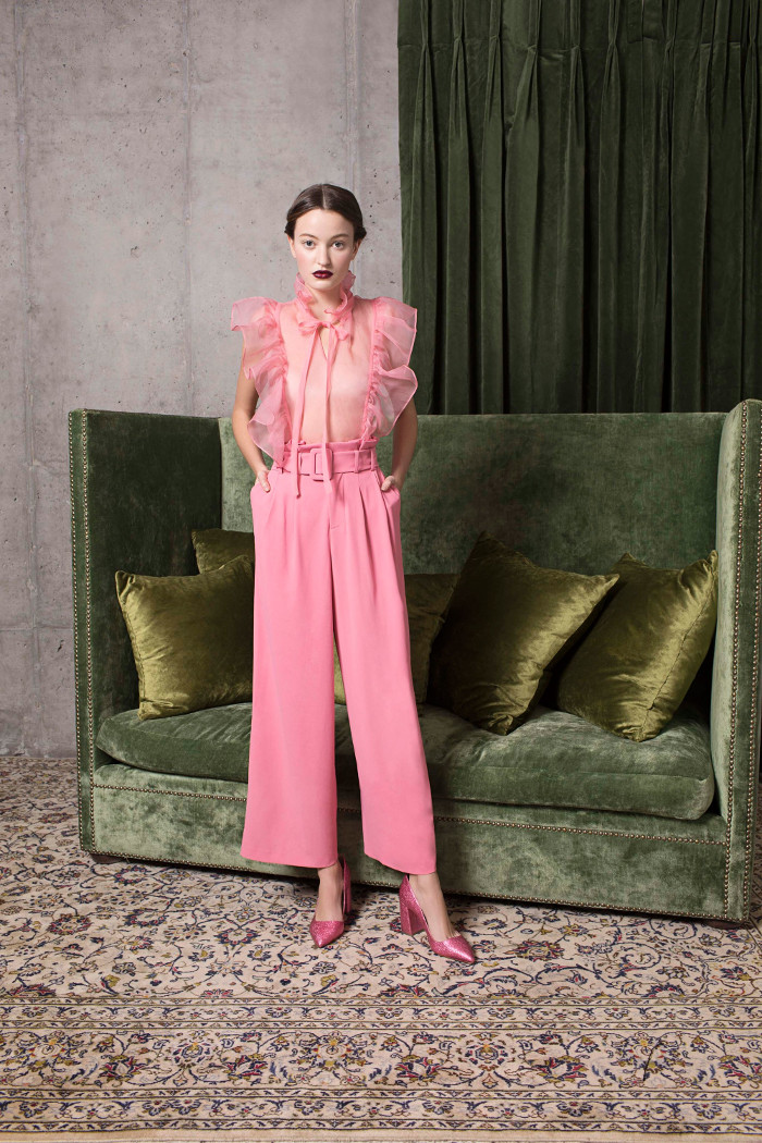 Alice and Olivia Pre Fall 2018 Collection pink paper bag trousers and pink top