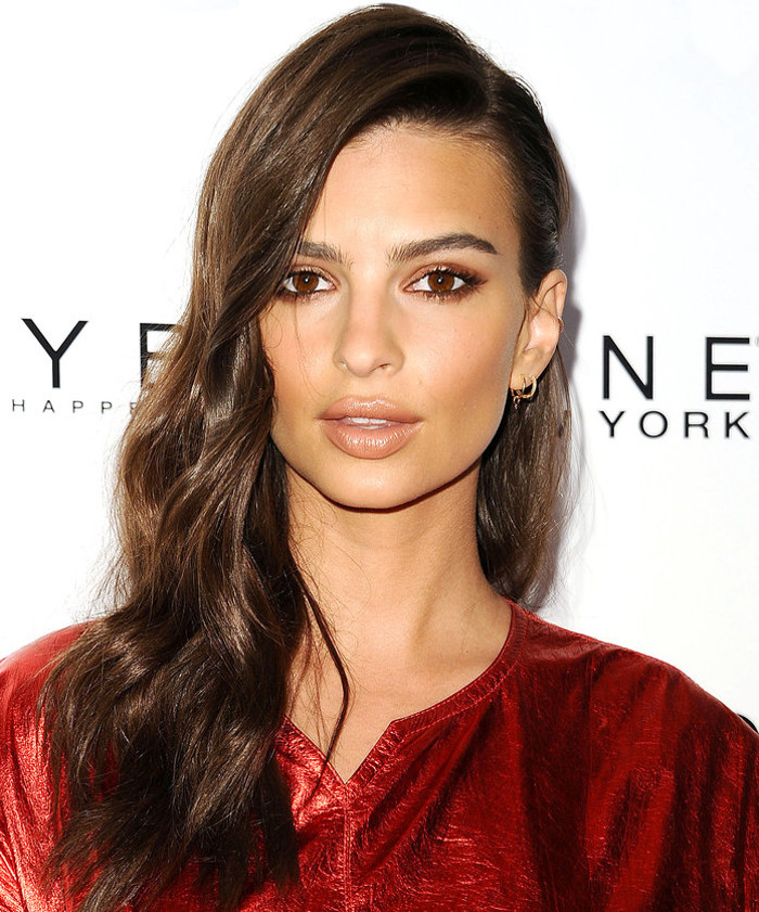 Celeb Inspo The Best Hairstyles for long hair Emily Ratajkowski