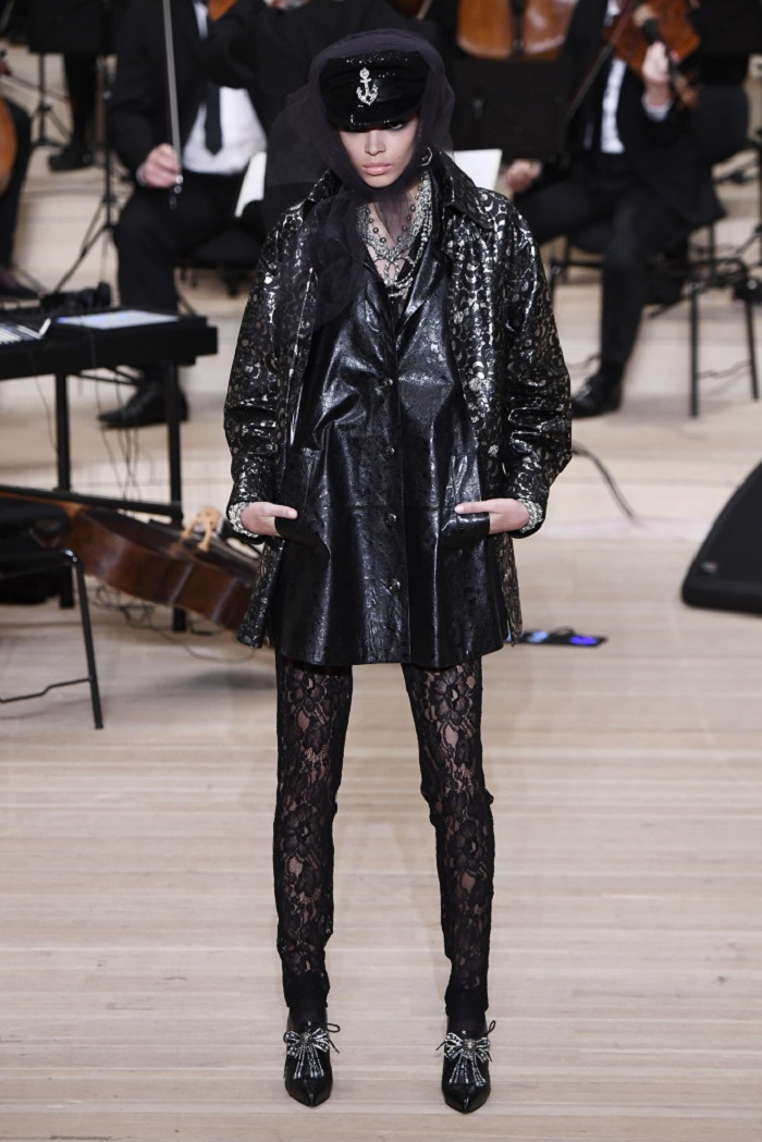 Chanel Métiers d'Art 2018 Show black dress lace leggings jacket