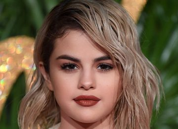 Effortlessly Chic Celebrity Beach Waves