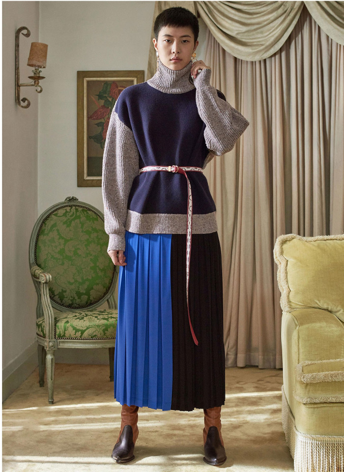 Givenchy Pre Fall 2018 Collection pleated skirt and oversized sweater