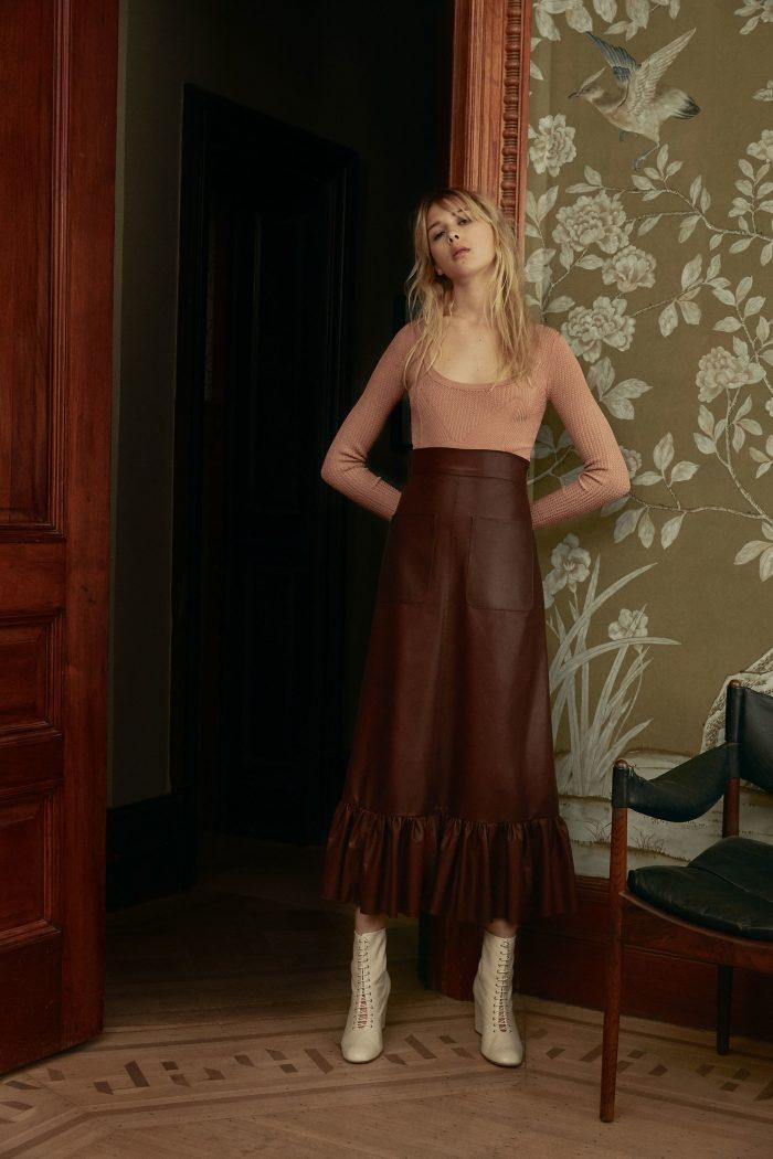Jill Stuart Pre-Fall 2018 Collection leather skirt blouse