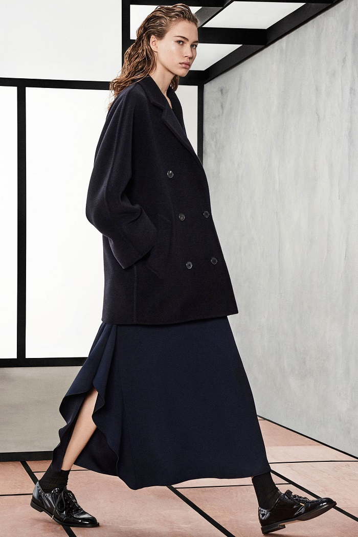 Max Mara Pre-Fall 2018 Collection black maxi skirt black coat