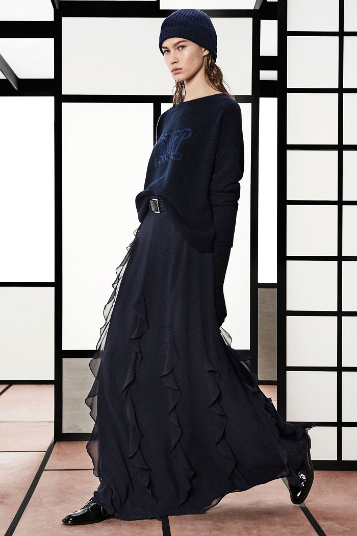 Max Mara Pre-Fall 2018 Collection navy sweater maxi skirt