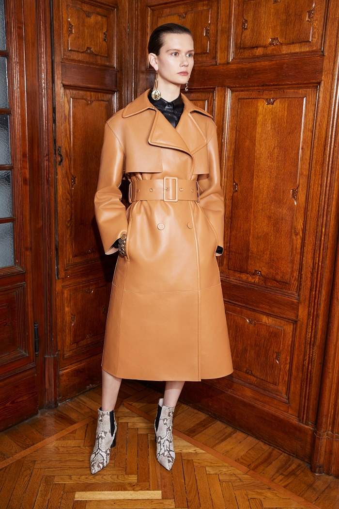 Roberto Cavalli Pre-Fall 2018 Collection trench coat
