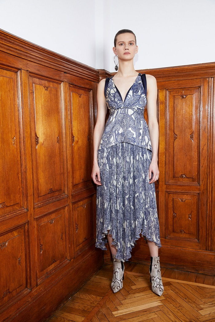 Roberto Cavalli Pre-Fall 2018 Collection floral dress