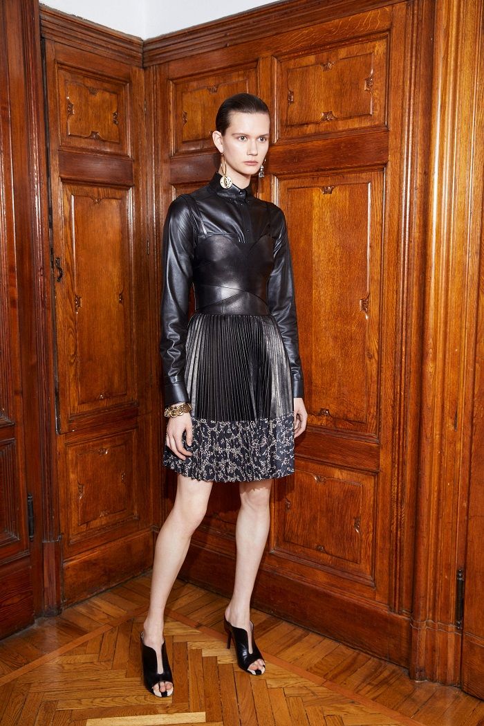Roberto Cavalli Pre-Fall 2018 Collection pleated dress