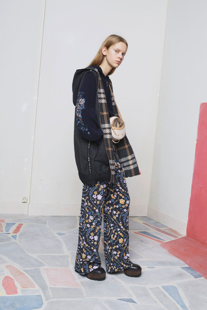 See by Chloé Pre Fall 2018 Collection wide leg trousers and oversized jacket