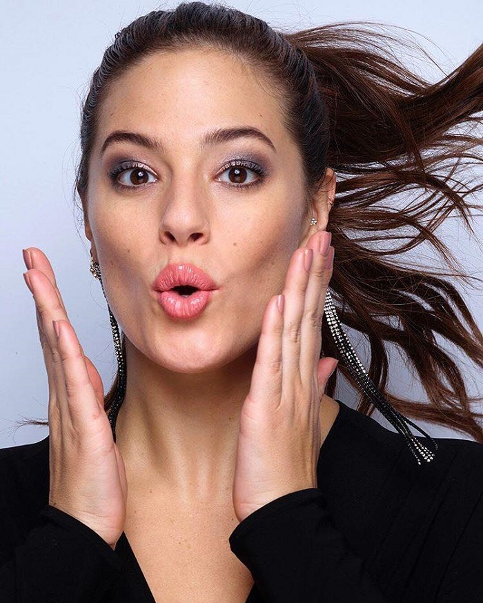 Adwoa Aboah, Ashley Graham & More Join Revlon's Live Boldly Campaign Ashley Graham nude lips