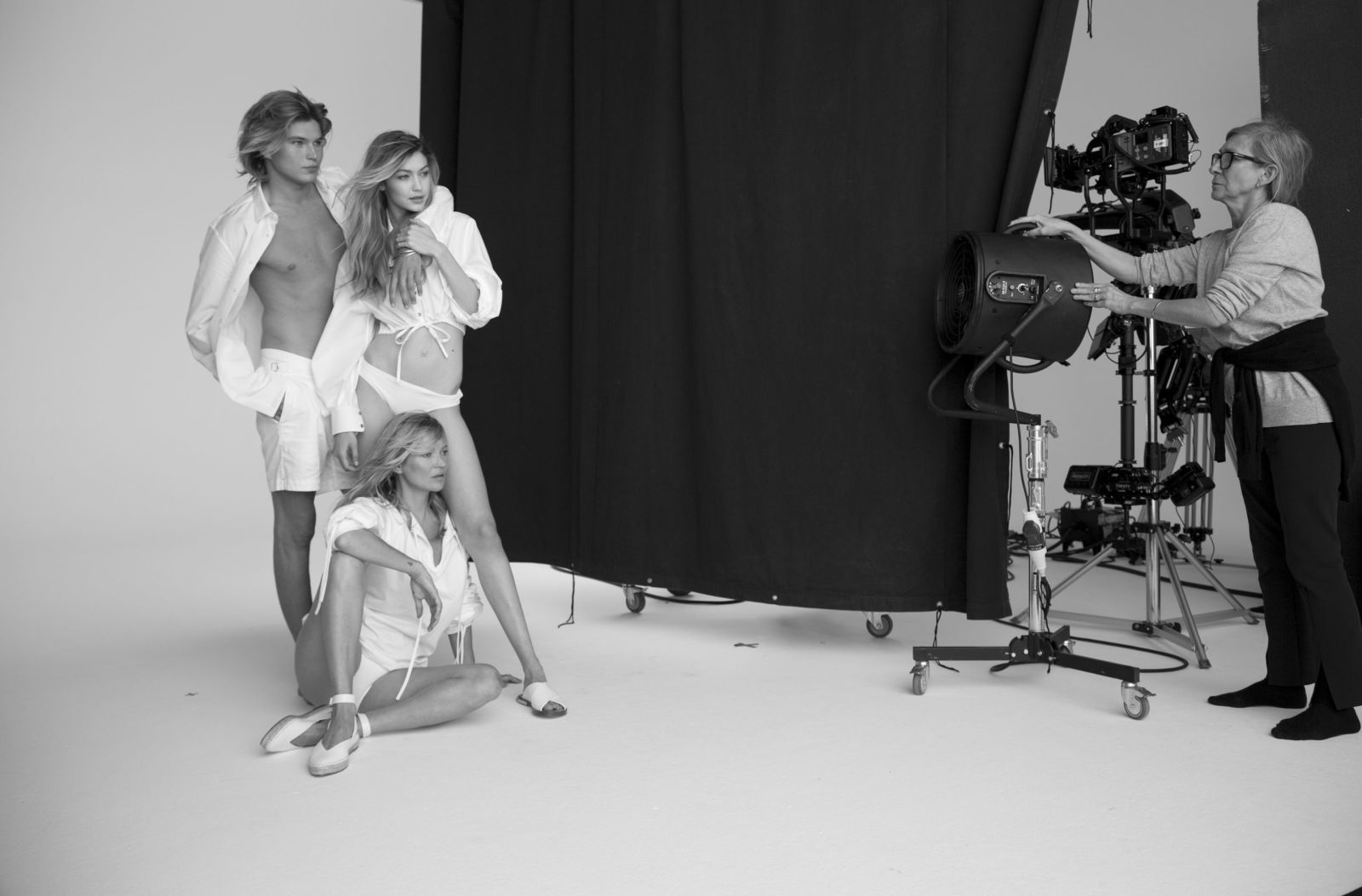 Gigi Hadid And Kate Moss Front Stuart Weitzman's Spring 2018 Campaign white outfits white sandals