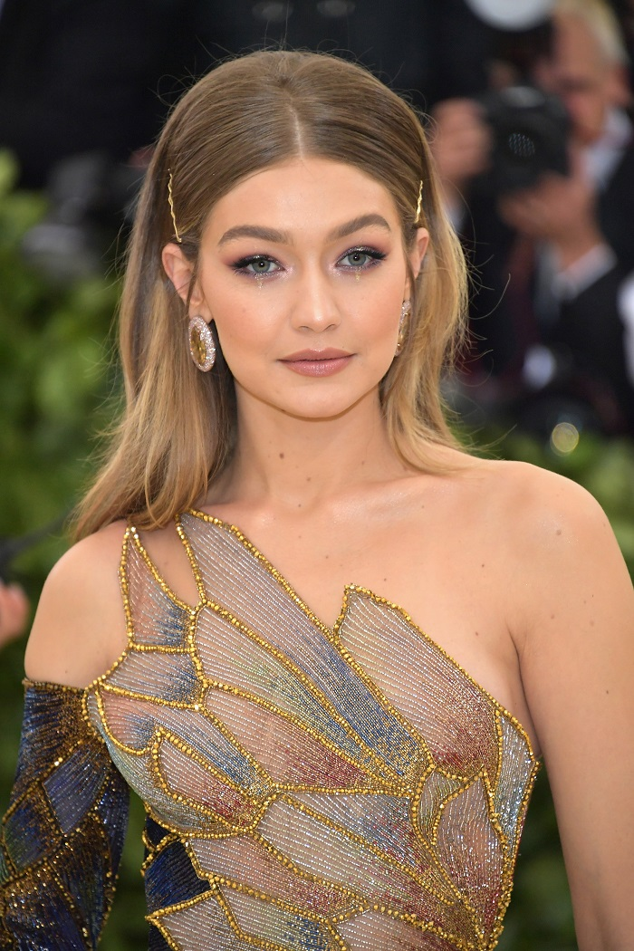 Gigi Hadid Debuts Maybelline's Soda Pop Eyeshadow Palette at The Met Gala makeup